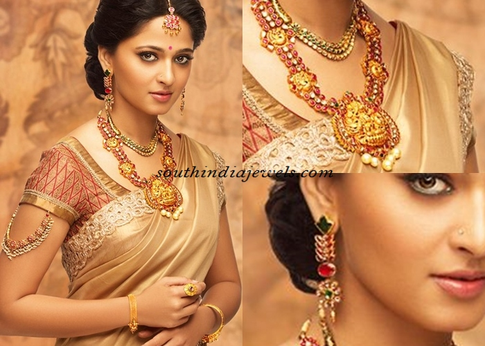 Anushka in southindian jewelleries