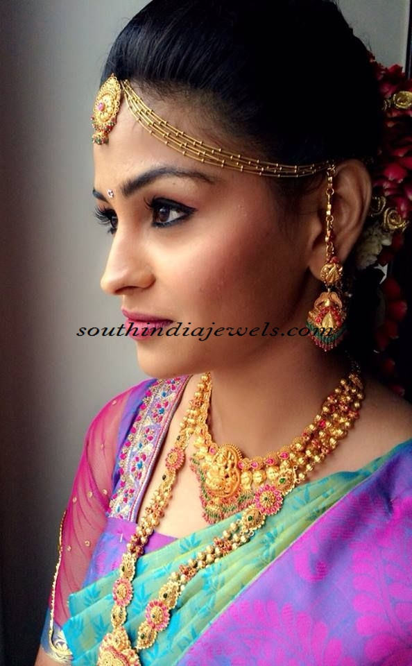 Traditional indian gold jewellery