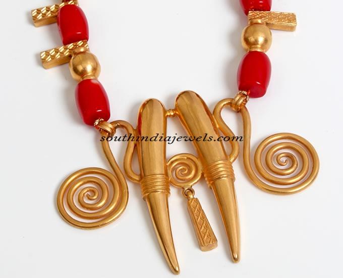 Designer jewellery gold pendant