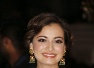 Dia Mirza Jewelleires in Flim Fare awards 2015