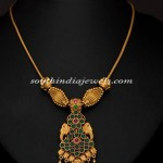 Gold Antique Short Necklace