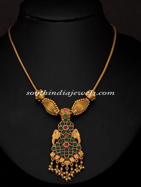 Gold Emerald short necklace