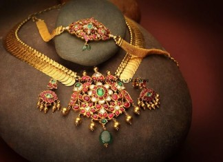 Ruby emeralds studded gold kasumalai