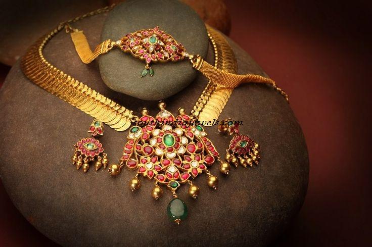 Ruby emeralds studded gold kasumalai