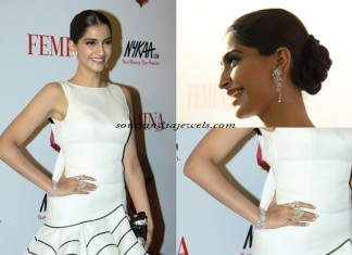 Sonam Kapoor in Diamond Jewelleries