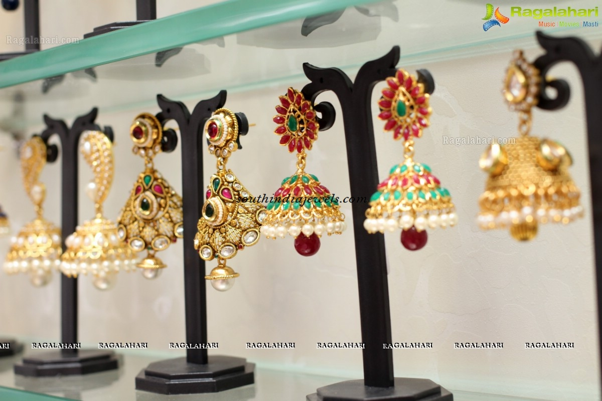 chaahat-fashion-jewellery-Jhumka collection