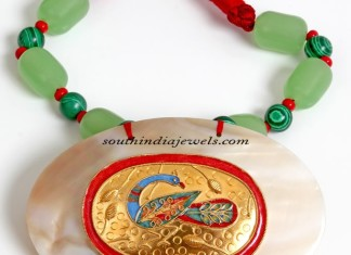 Gold fashion jewelry necklace