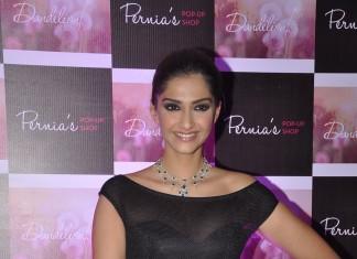Sonam-Kapoor-Diamond-Jewellery