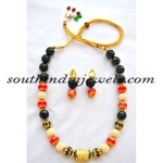 Beaded Jewellery : Onyx and orange bead necklace