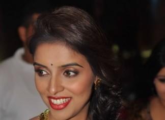 Actress Asin wearing stunning Kasumalai