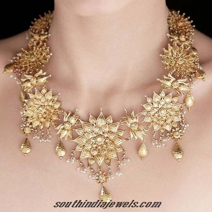 Designer tarun tahilani seven flower necklace