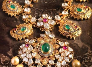 Gold antique necklace