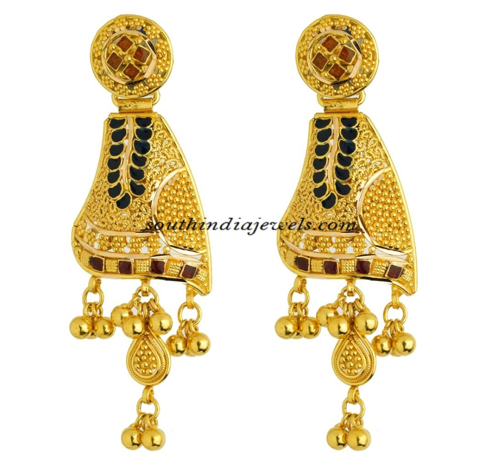 Innovative Earrings From Kerala Jewellers The Earrings Are Designed Intricately