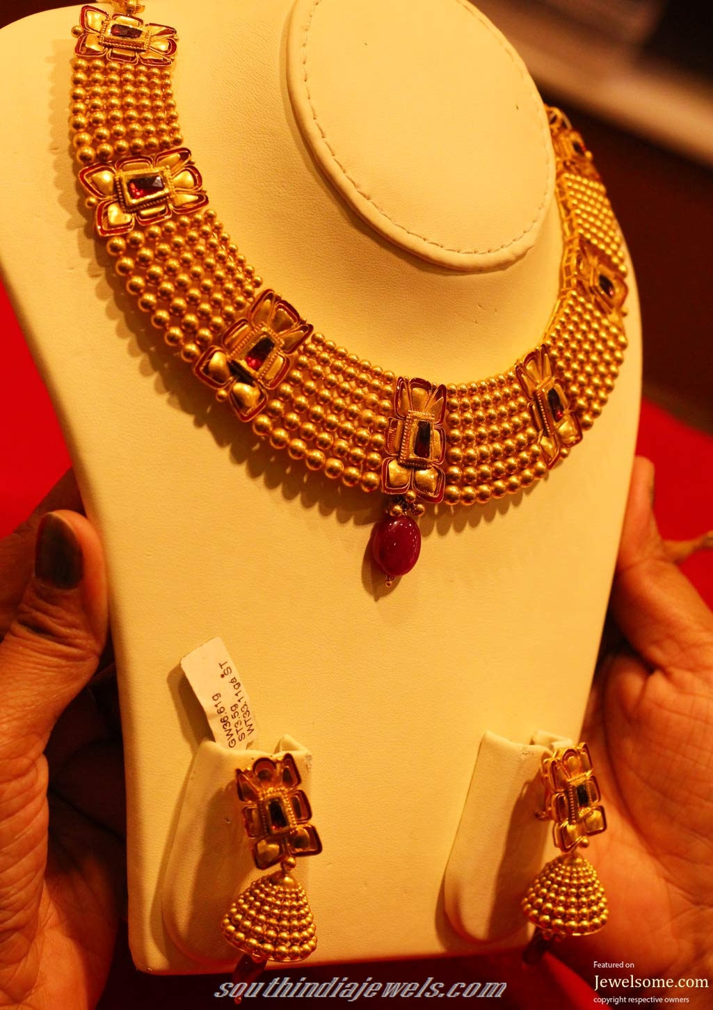 a1614717f Kalyan Jewellers Azva collection Necklace set ~ South India Jewels