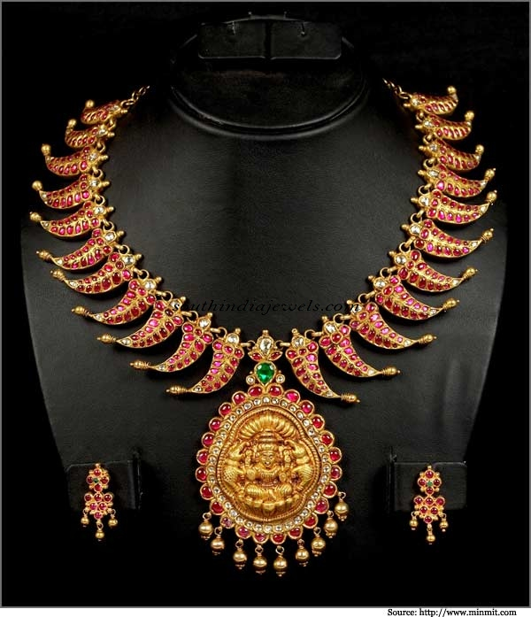 Antique Jewellery necklace set