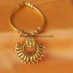 Antique Jewellery : Short necklace