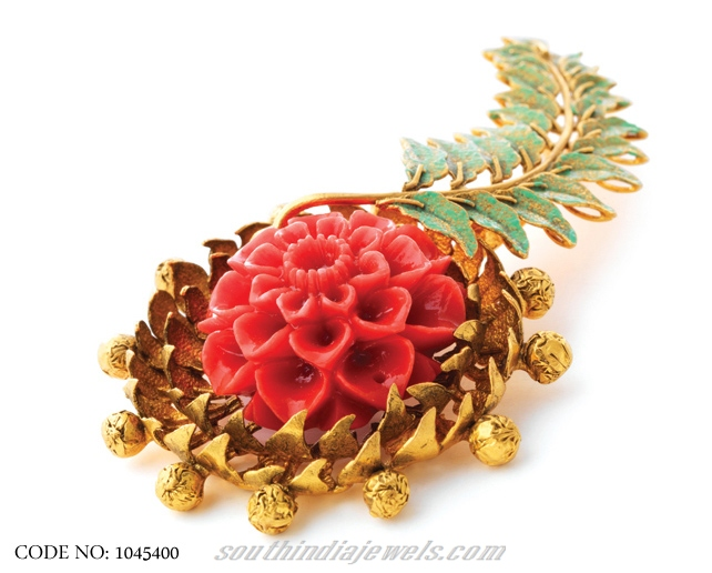 light-weight-antique-gold-pendant