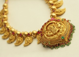 traditional gold necklace model