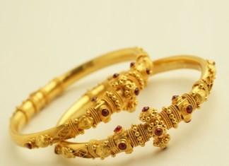 22K Gold Antique Bangle
