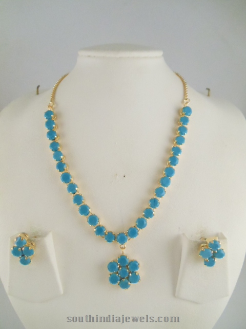 Blue stone floral necklace