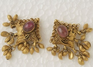 Gold Antique Ear Stud