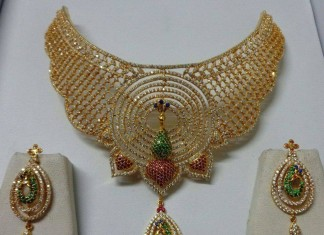 Huge Bridal Diamond Choker set with peacock diamond earrings