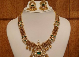 Gold antique emerald polki necklace design