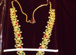 Latest yellow gold necklace model