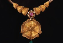 Gold Floral Necklace from Abharan Jewellers