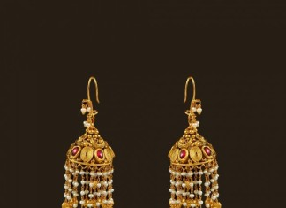 Gold Hook Pearl Drops