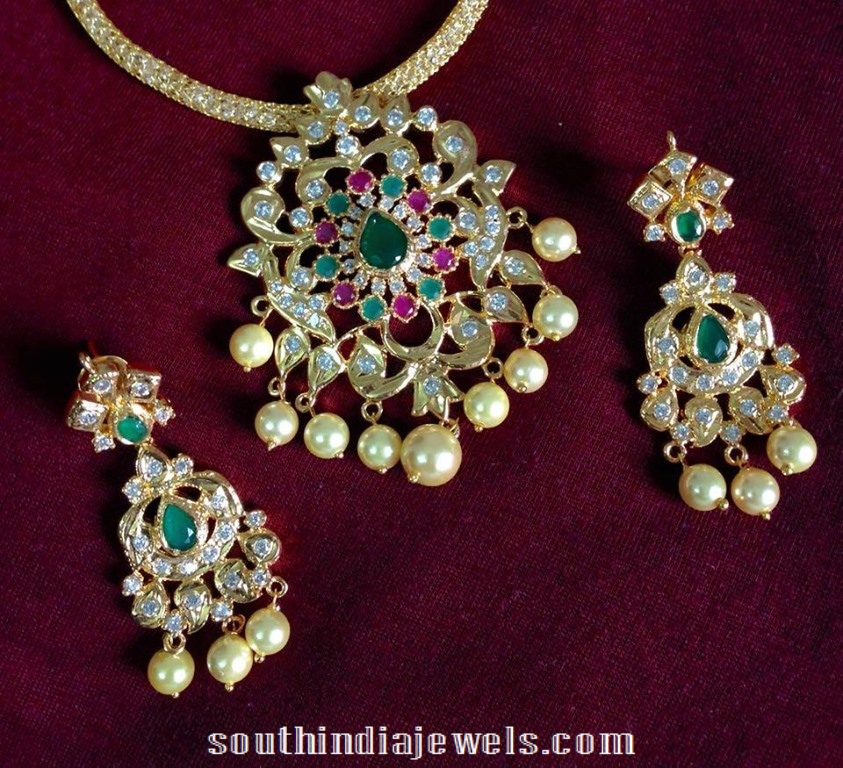 Imitation CZ emerald necklace set