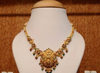 Gold Lakshmi mini necklace set
