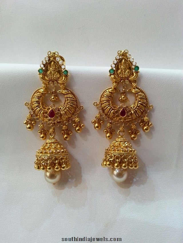Gold layered Jhumla design