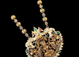 22 carat gold antique stond studded lakshmi pendant design
