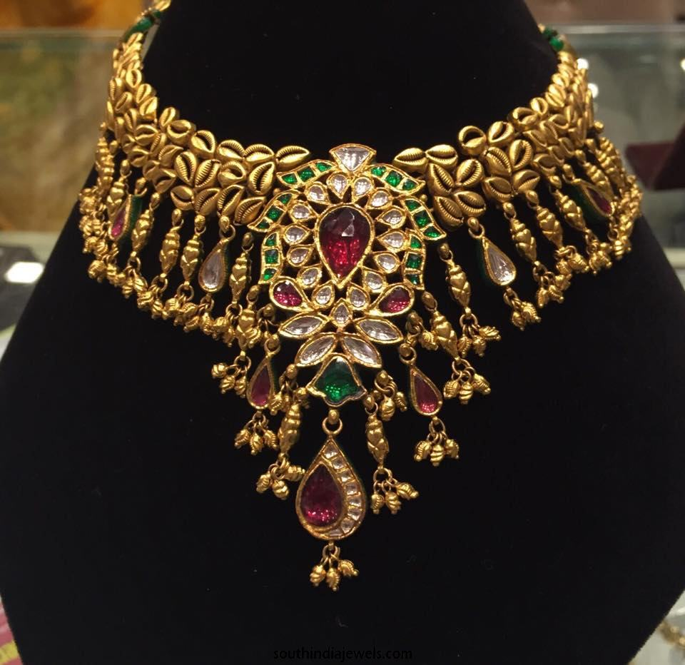 Gold Kundan Choker Necklace Set