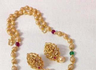 Artificial temple jewellery necklace and earrings