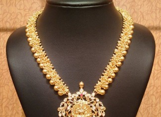 Gold chunky clustered bead temple jewellery necklace