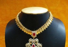 Imitation american diamond necklace
