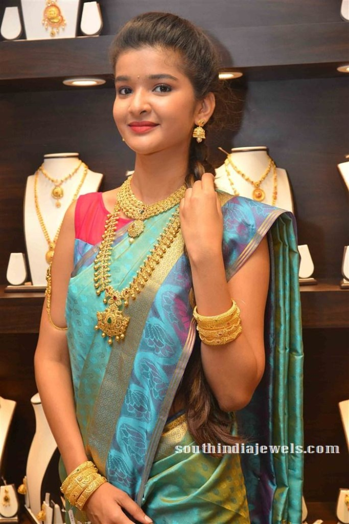 Model in CMR gold Jewelleries