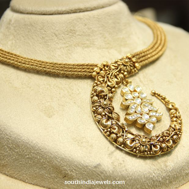 Modern nakshi gold necklace from Manubhai Jewellers