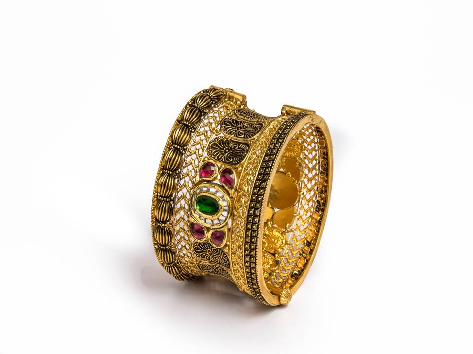 22K Gold kada in a traditional nakshi and filigree work  by Manubhai Jewellers-1