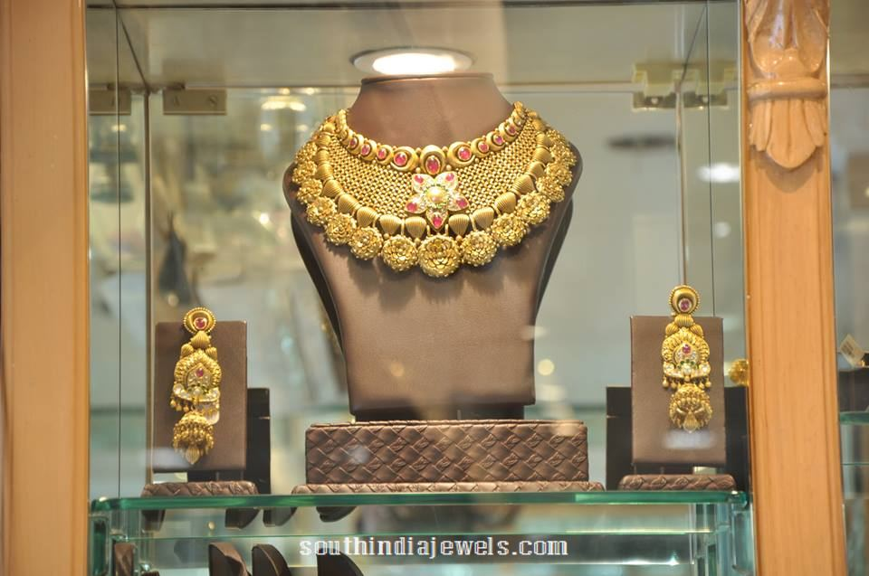 Gold Designer Choker necklace PC Jeweller