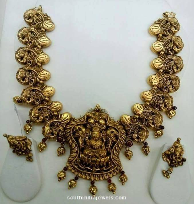 Nakshi Gold Necklace set with earrings