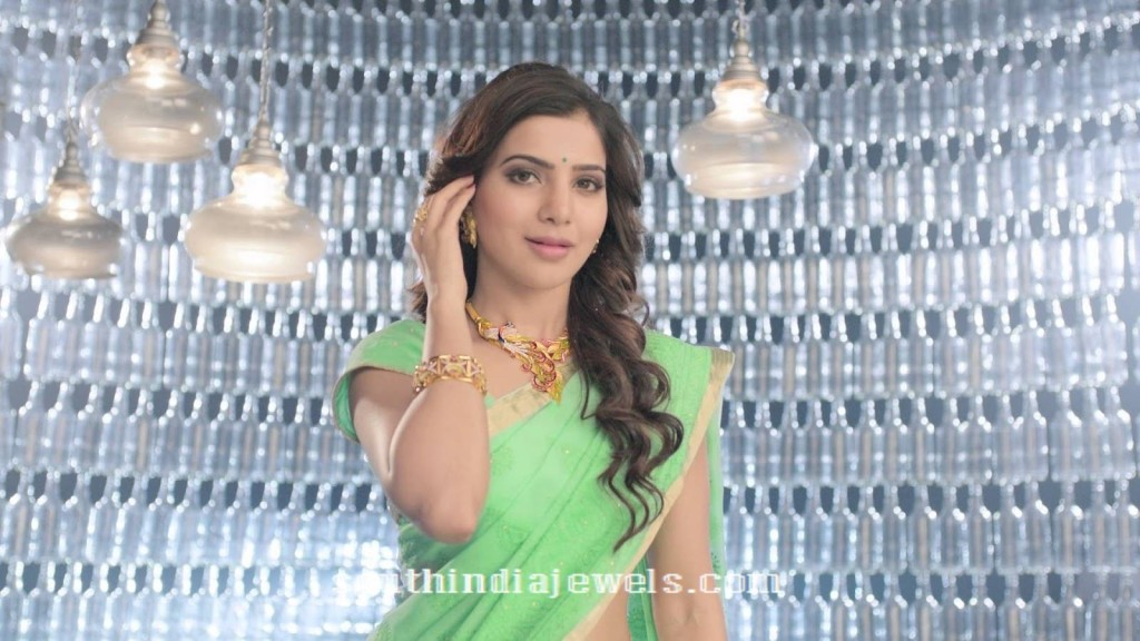 Samantha in jewel one gold jewellery