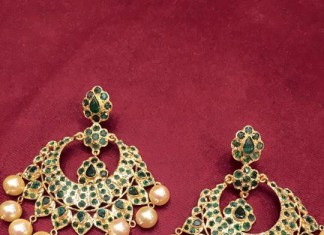 gold emerald chandbali