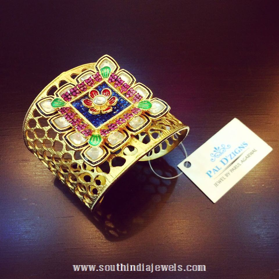 Gold Hand Cuff Design