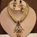 Gold Antique Kundan Necklace With Earrings