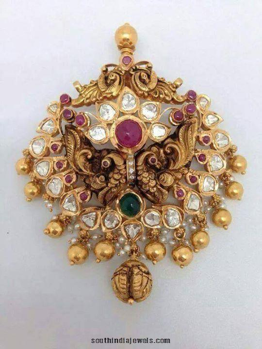 Gold Antique Pendant Design