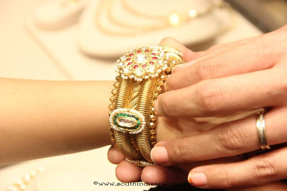 Gold Antique Bangle From Manubhai Jewellers