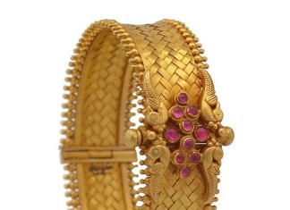 gold anitque ruby kada bangle design